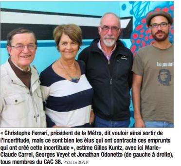 Gilles Kuntz à gauche dénonce les élus qui ont voté les emprunts toxiques ( photo DL)