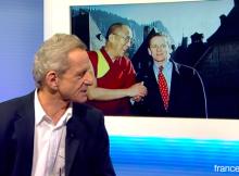 Alain Carignon a choisi cette image forte du Dalaï Lama à la Grande Chartreuse