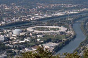 le Grenoble d'Alain Carignon emporte le Synchrotron contre Strasbourg