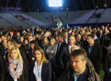 500 invités de Maryvonne Boileau (Verts/Ades) au stade des Alpes aux frais des HLM