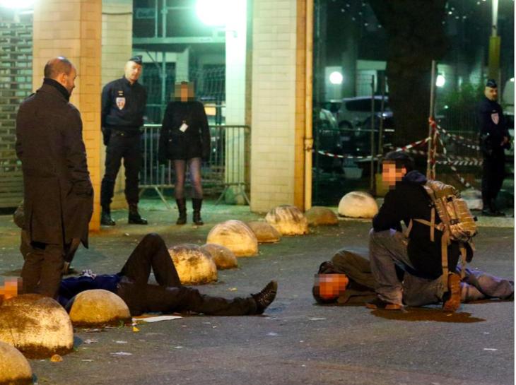 le 26 octobre tué de coups de couteau en sortant de la discothèque à Hoche