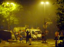 en juillet 2011 une partie de Villeneuve se révolte parce que la police poursuit les auteurs du cambriolage d'triage dans le quartier