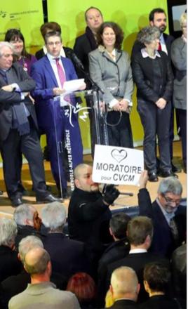 Il ne supporte pas que le collectif Grenoble à coeur lui rappelle sa demande de moratoire