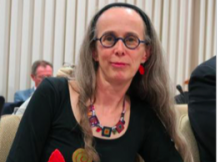 """Laurence Comparat (Verts/Ades) la commissaire politique qui a la haute main sur """"l'accès des citoyens à l'information""""..."""