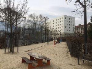 La municipalité Destot/Safar (PS) a même vendu une partie du parc Hoche à un promoteur privé pour construire l'hôtel OKKO . Alors qu'elle construisait 1 200 logements supplémentaires dans le secteur ( 5 à 6000 habitants supplémentaires!)