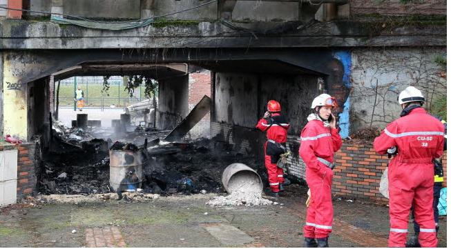 L insurrection contre la police atteint toute la ville for Airess incendie