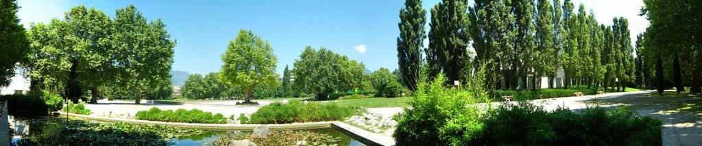 Le Parc Pompidou réalisé par la municipalité Carignon au coeur du quartier Reyniès-Bayard compte 5, 5 hectares pour une densité bien inférieure à tous les projets actuels sans parcs