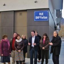 """E.Piolle Inaugurant pendant les municipales une rue BNPPARIBAS avec E.Martin et R.Avrillier pour """"protester contre l'emprise des banques """" (!)"""