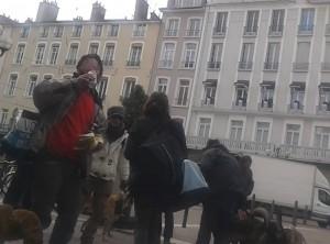 à Grenoble aucun problème pour se bourrer la gueule tous les jours, ici place Grenette